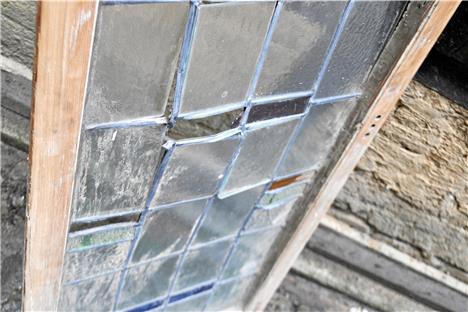 Wer kann diese fenster handwerklich gut reparieren for Fenster reparieren