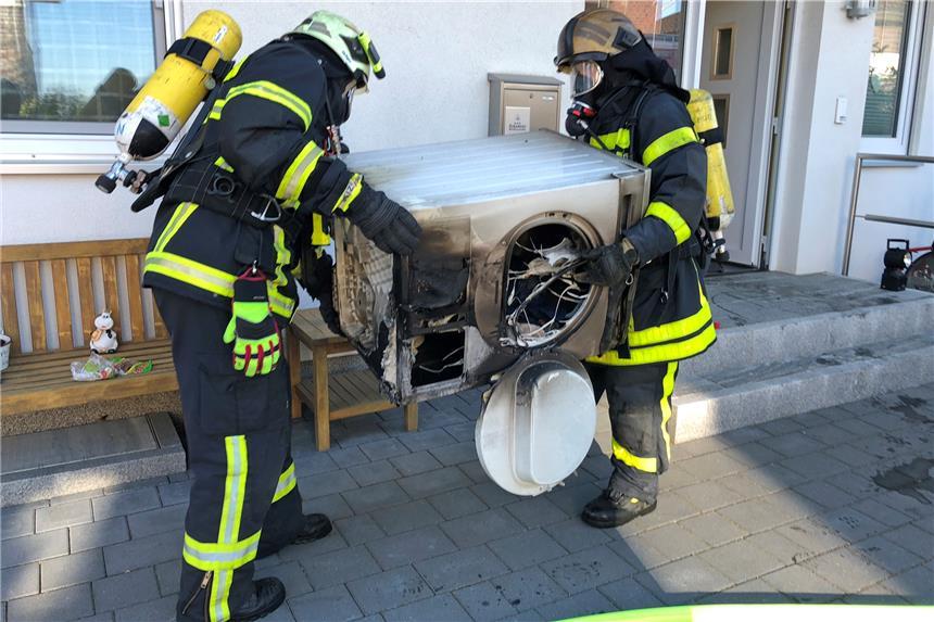 Waschmaschine und trockner brennen im keller