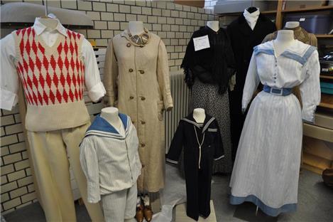 Kleider erzählen Geschichten von früher