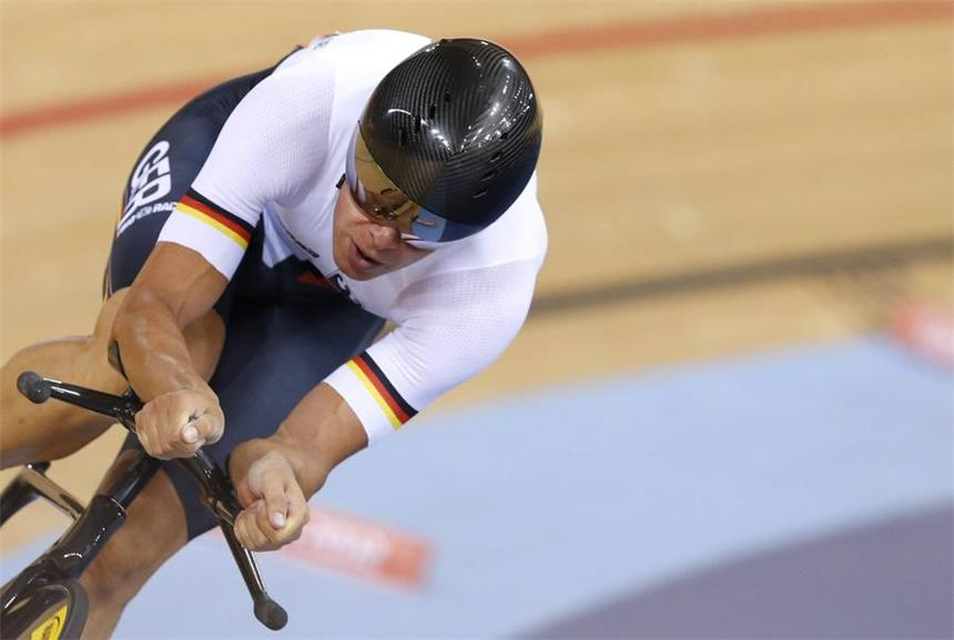 (File) Roger Kluge of Germany competes during the men's Omnium 1km time trial at the London 2012 Olympic Games Track Cycling competition, London, Britain, 05 August 2012. EPA/IAN LANGSDON (zu dpa «Straßenprofi Kluge kehrt auf Londoner Olympia-Bahn zurück - Rio lockt» am 02.12.2014) +++(c) dpa - Bildfunk+++