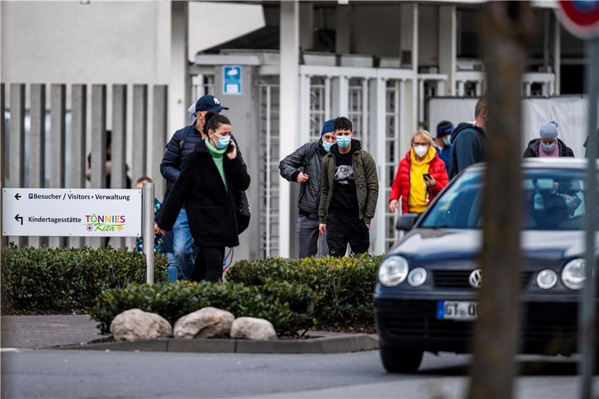 https www dorstenerzeitung de nachrichten arbeiter stirbt nach streit in toennies fleischfabrik verdaechtiger festgenommen 1613489 html