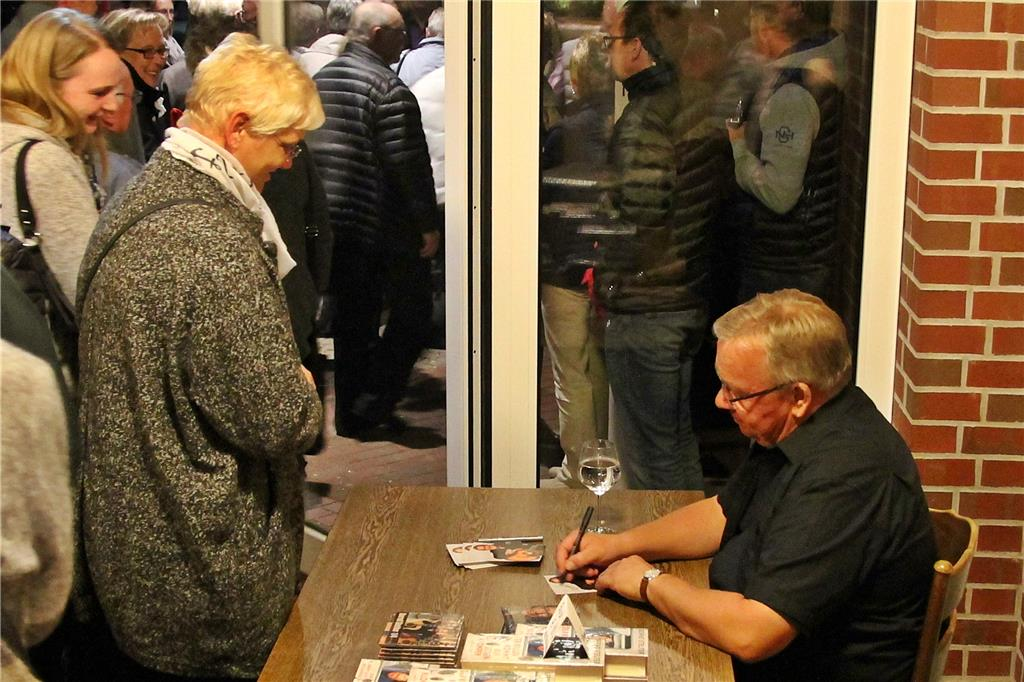 Liedermacher Bernd Stelter Begeisterte Mit Erstaunlich
