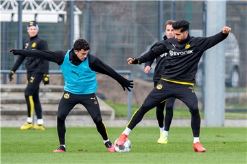Tut dem BVB gut: Winter-Neuzugang Emre Can (r.).
